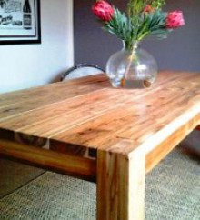 solid wooden dining table – 6 seater