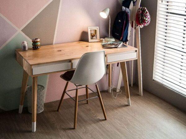 Desks & Dressers